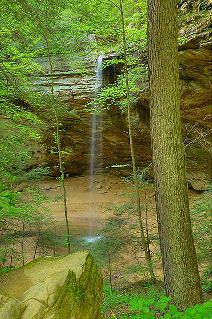 Waterfall, Ash Cave, Hocking Hills State Park, Ohio